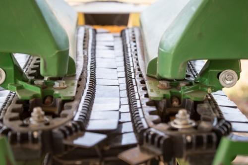 Corn Head Deck Plates : Yield saver field testing latest harvest innovation